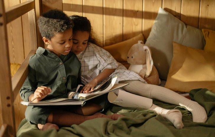 kids reading together.jpg