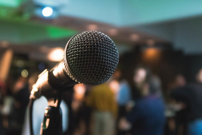microphone-audio_W7WDKWMG0I.jpg